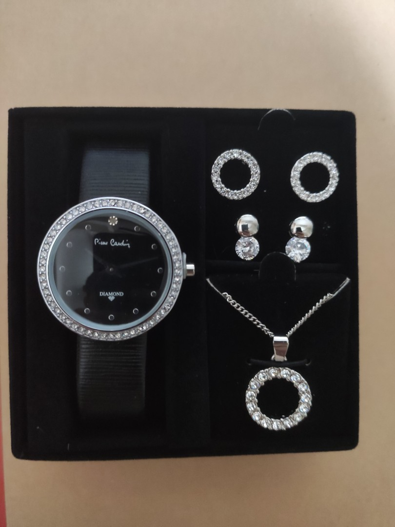 Pierre Cardin Ladies 4 in 1 Set Pendant Necklace /& Earrings Set Gift for Her