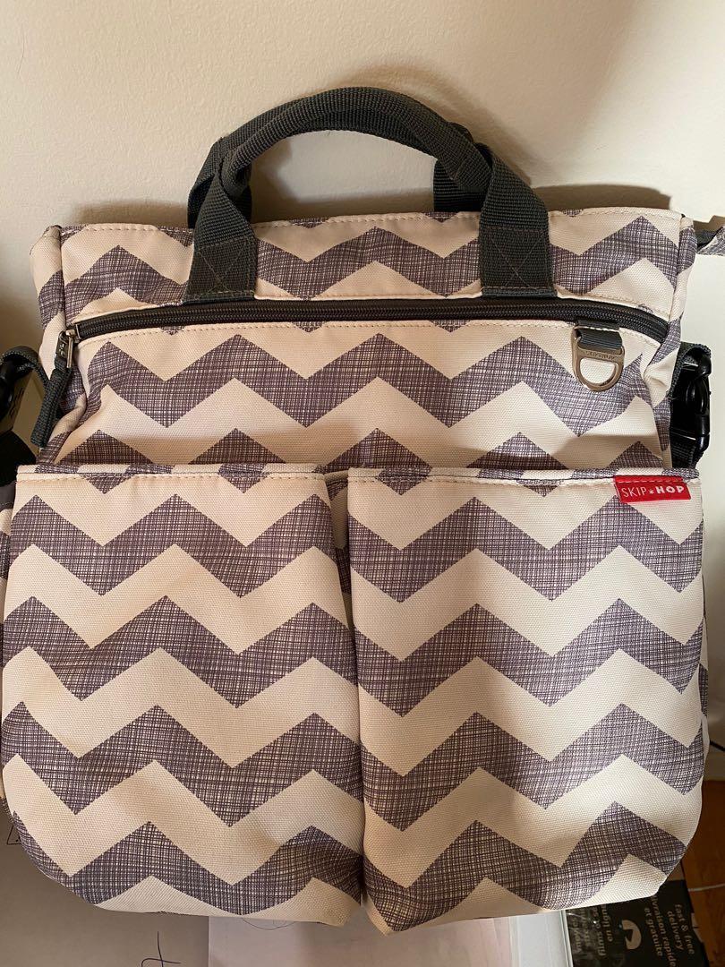 Skip hop baby bag and bottle carrier