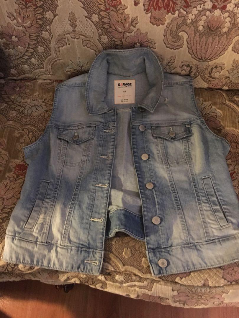 Sleeveless denim jacket, like new