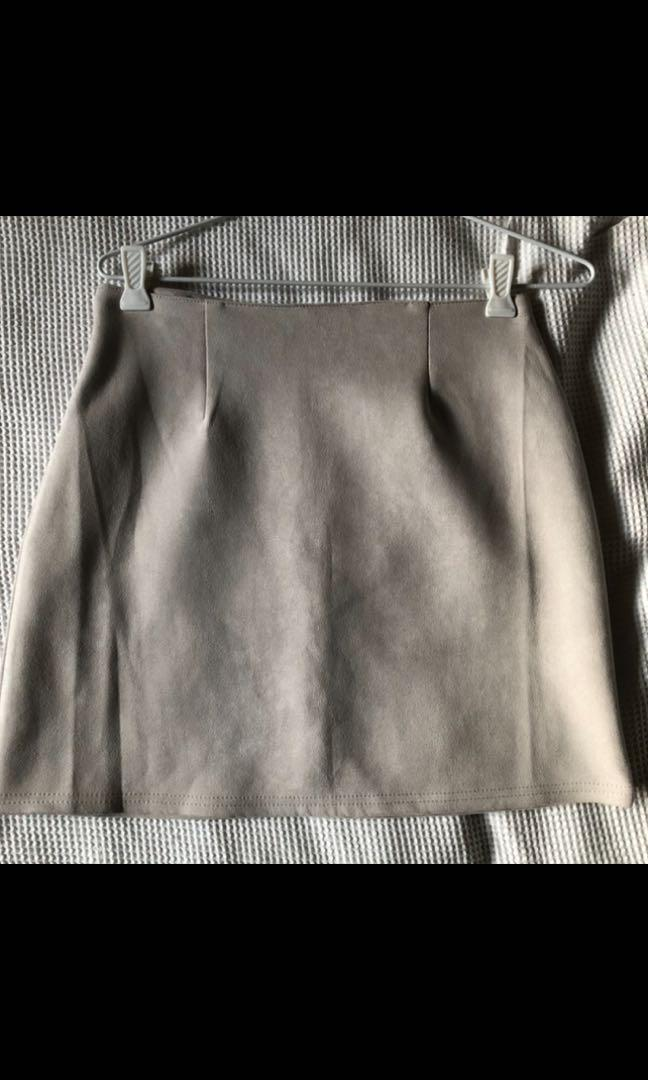 Suede Mini Skirt 6-8