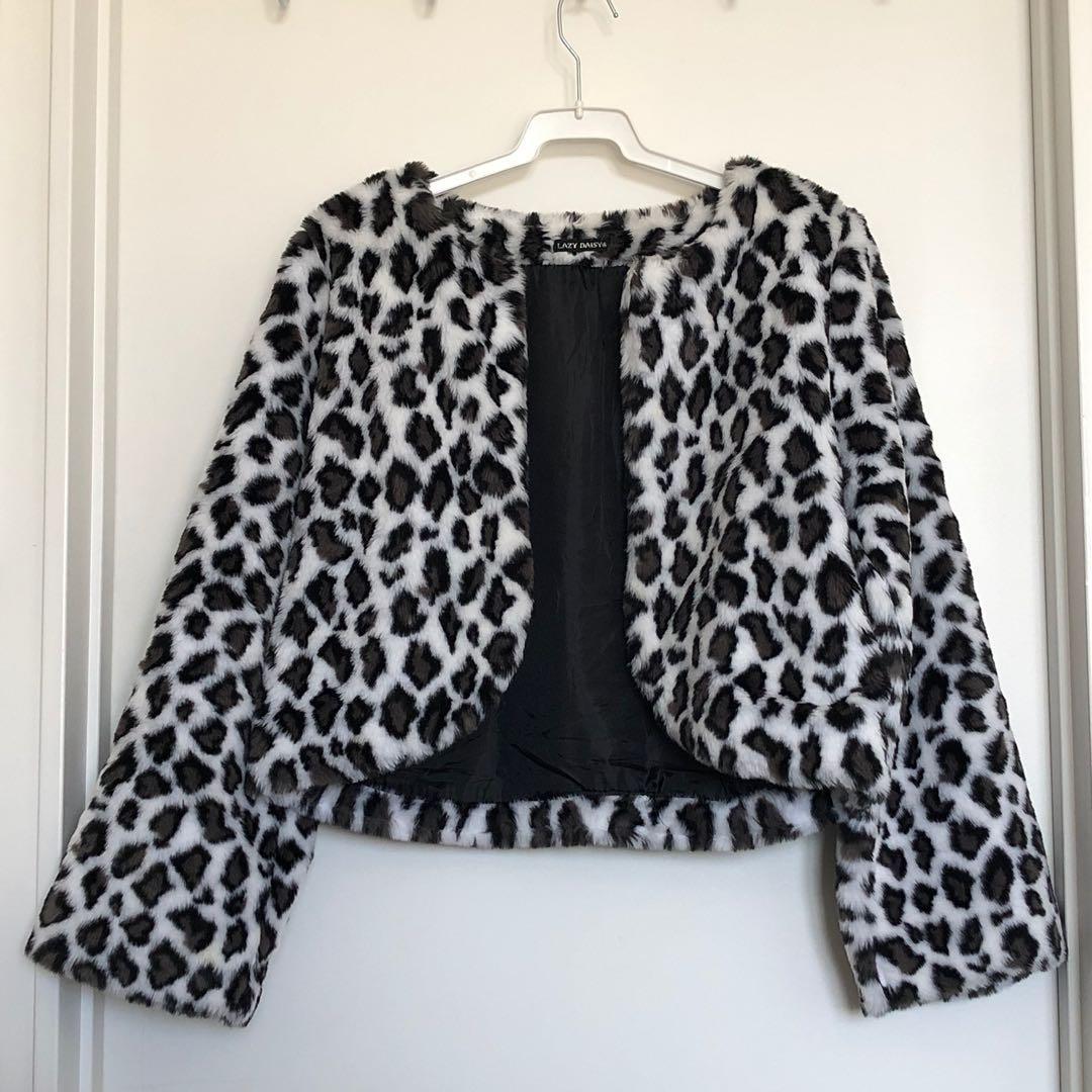 Leopard print faux fur cropped coat