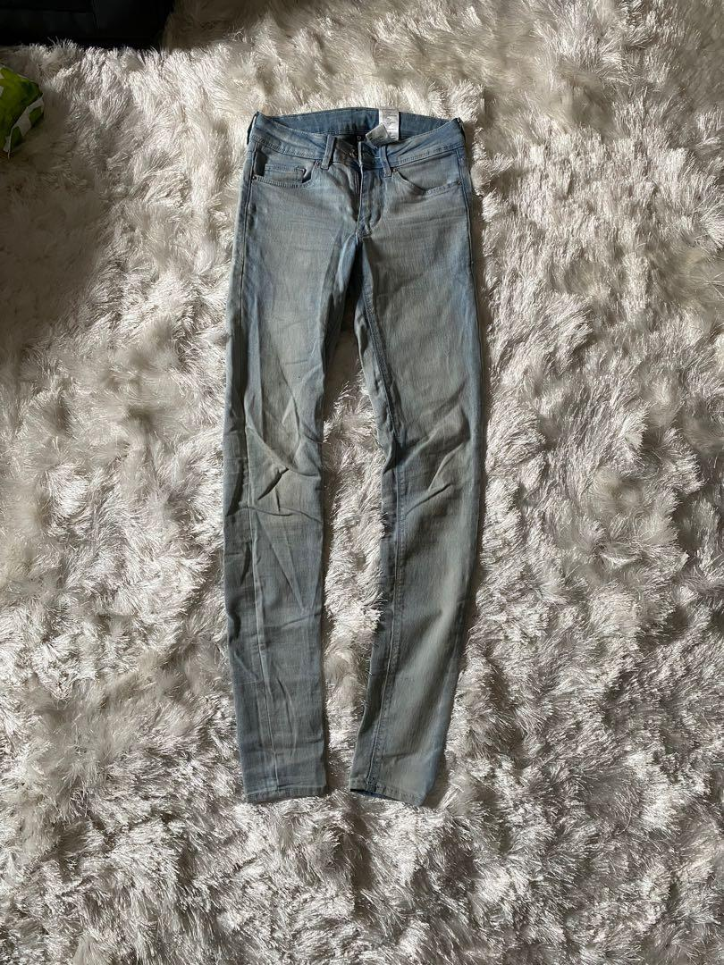 Mid rise light wash jeans