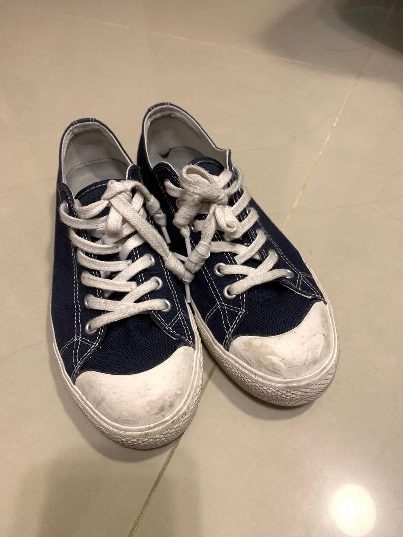 Muji 深藍帆布鞋