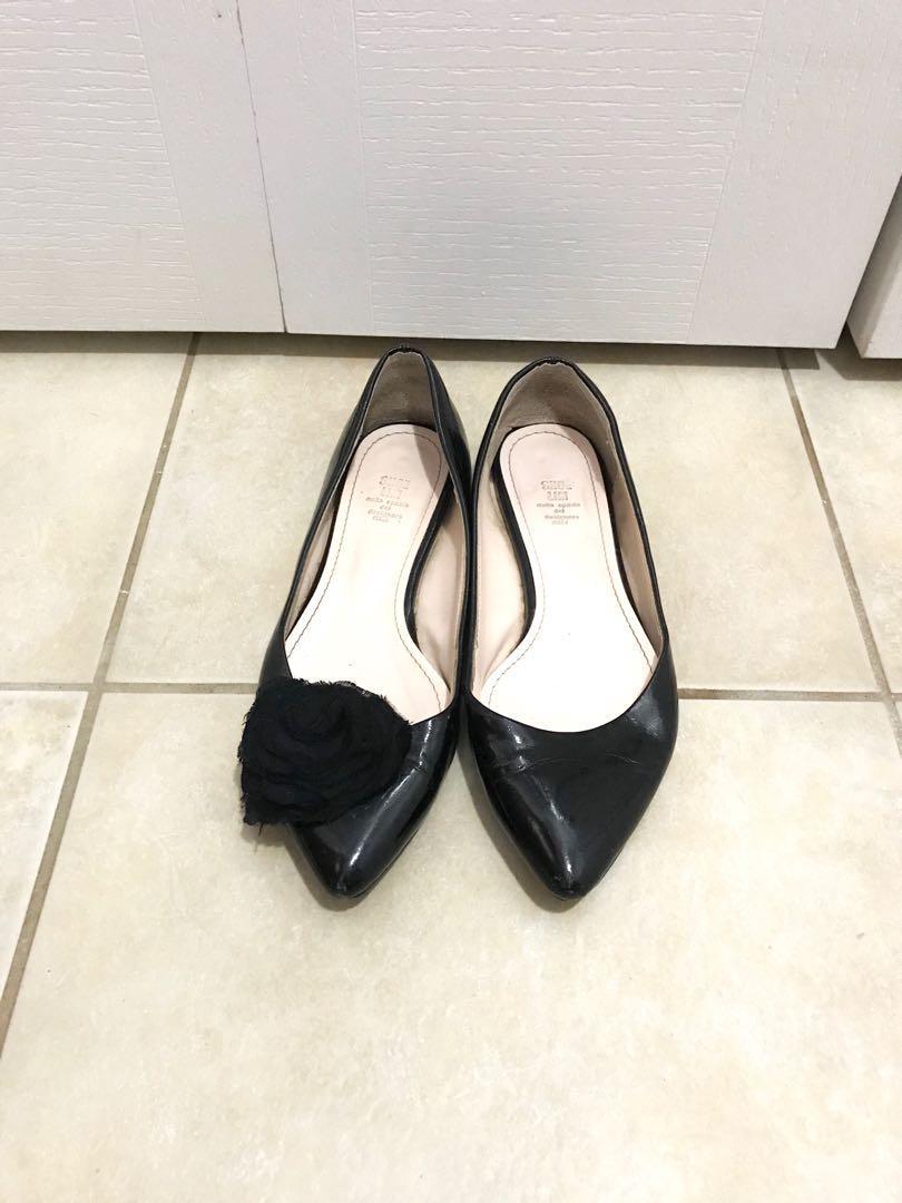 Black patent flat shoes