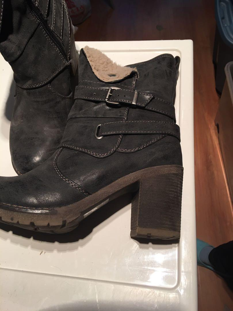 Boots size 37