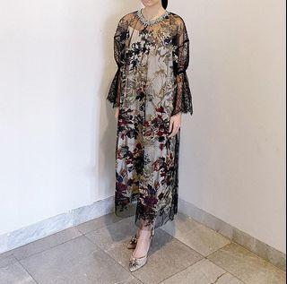 For Rent : Sellia dress