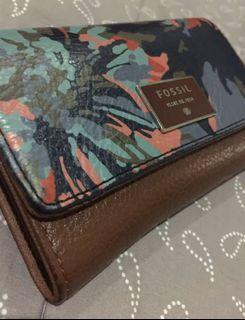 FOSSIL trifold AUTHENTIC