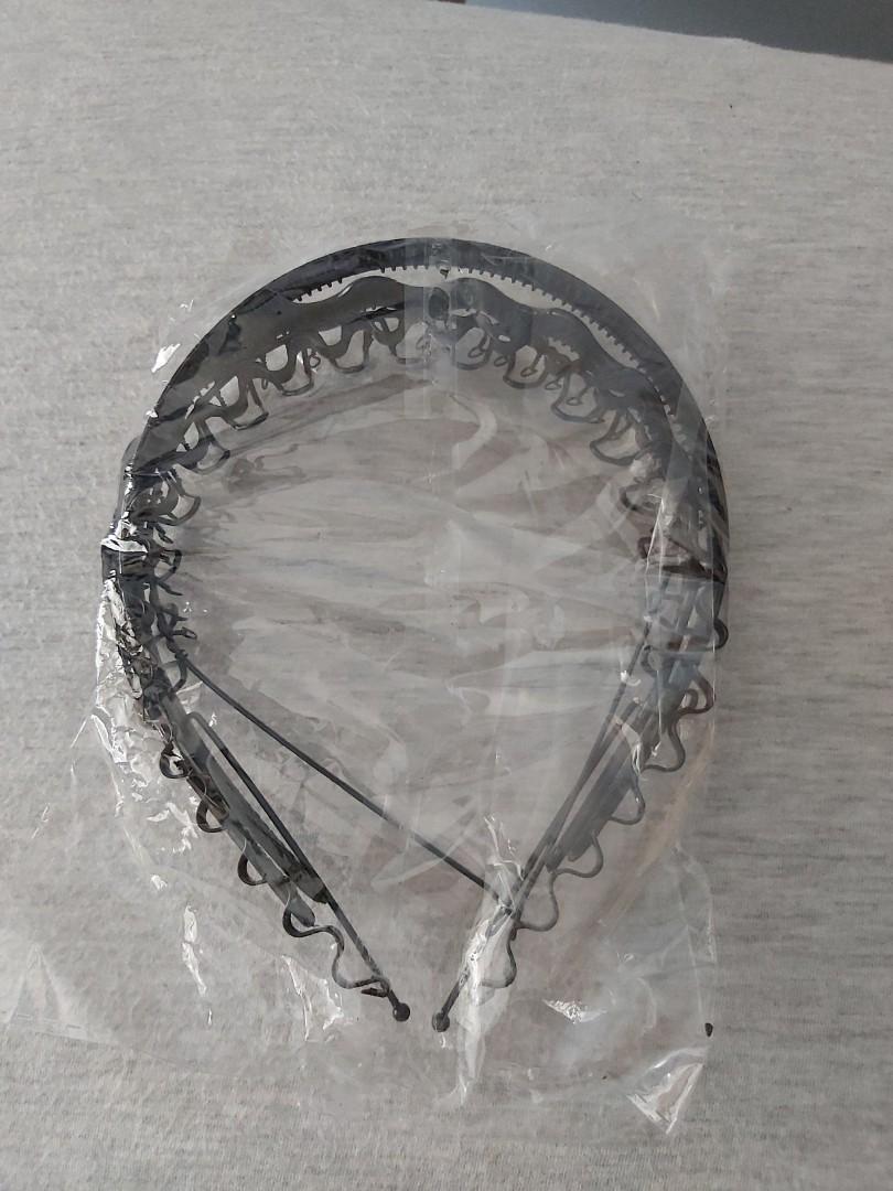 5 assorted black metal frame headband