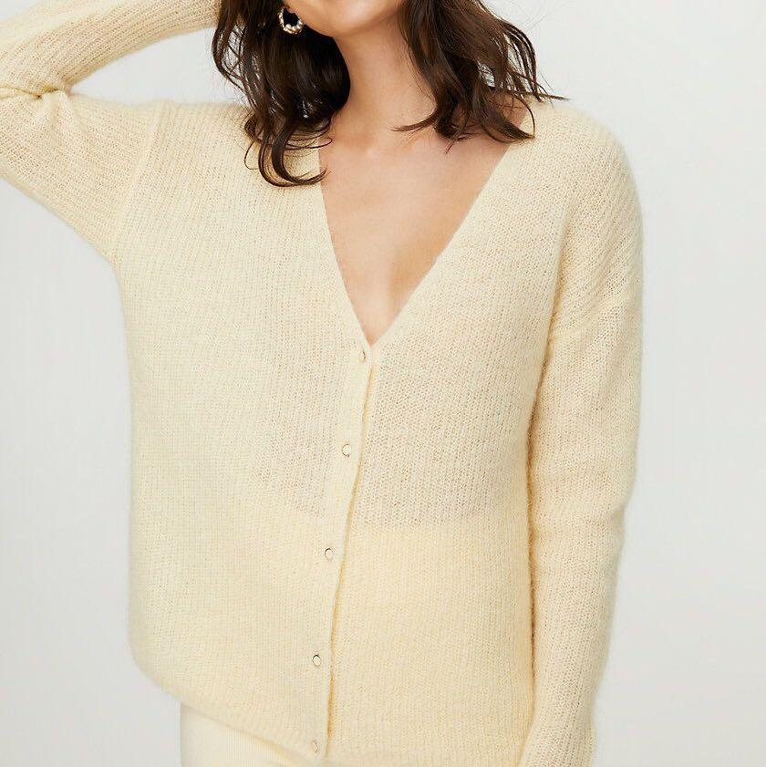 """ARITZIA """"front to back"""" cardigan"""