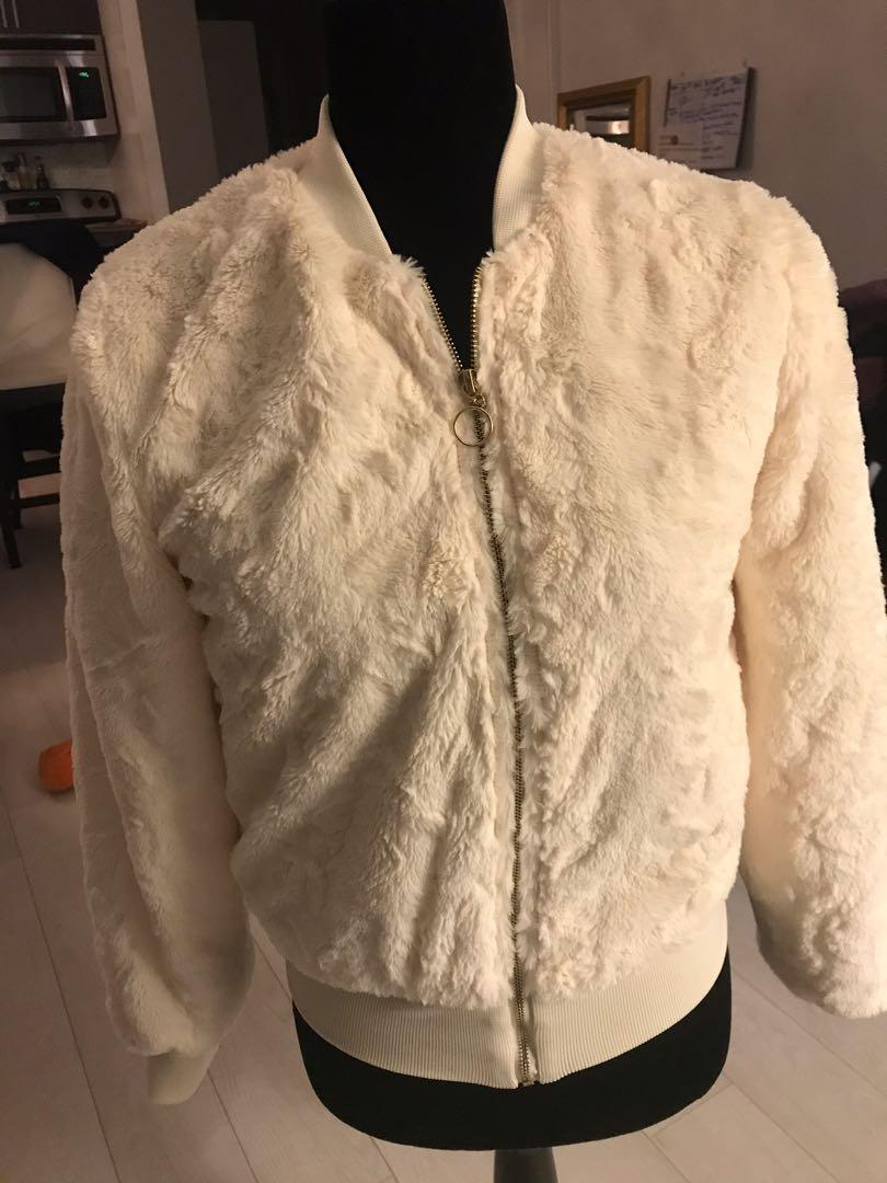 Fluffy BN bomber size small