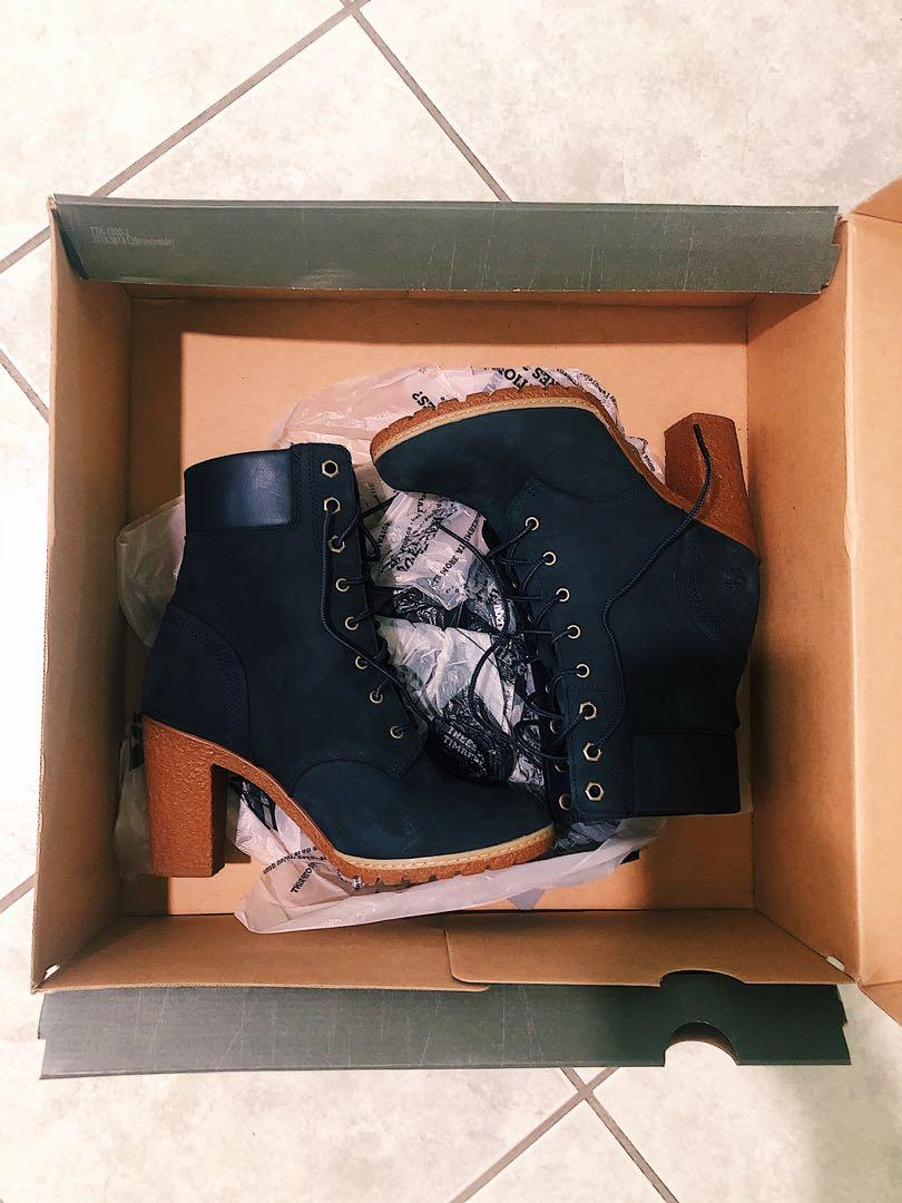 *NEW* Timberland Boots (Size 7)
