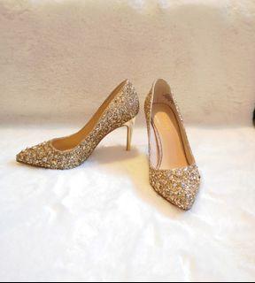 Nine West Elenah Gold Glitter Studded Pumps