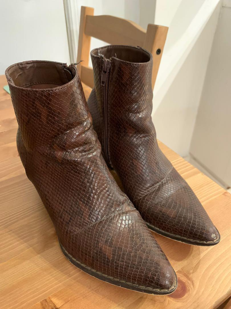 Vegan Going West boots size 6