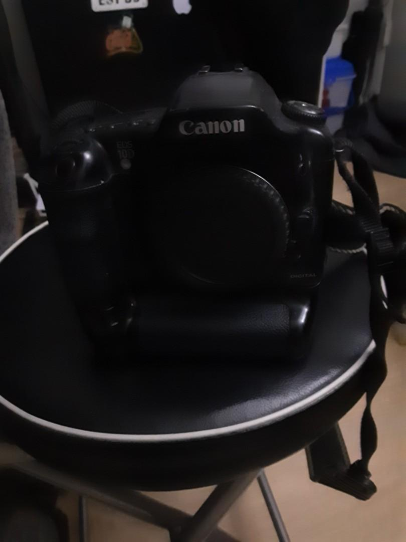 Cannon D60 with External Battery Pack