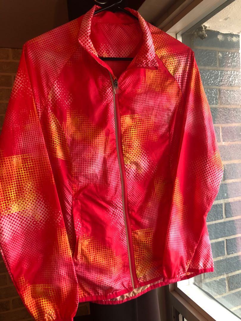 Extremely light Billabong windbreaker/ run jacket