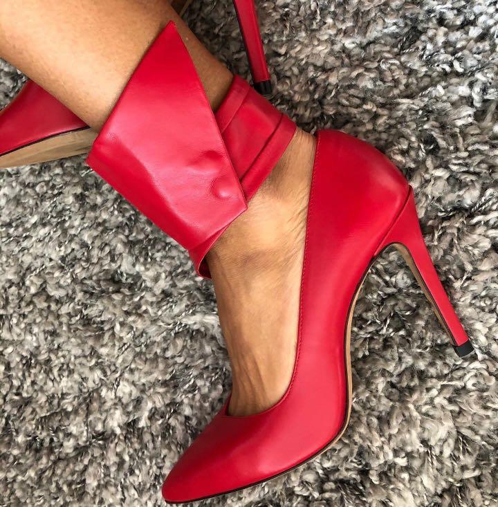 IRO RED PUMPS