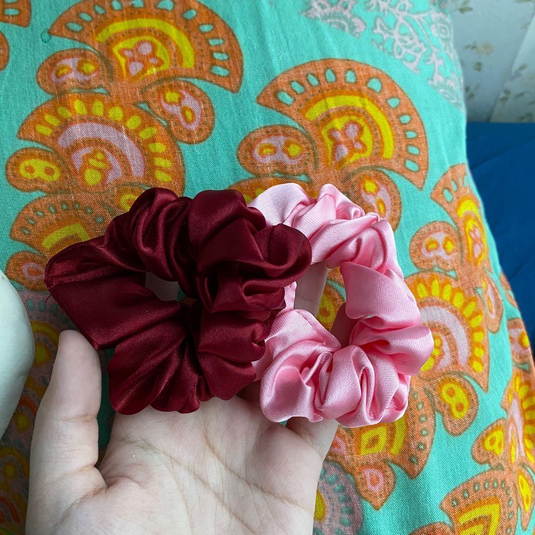 Scruchie satin glossy - size mini