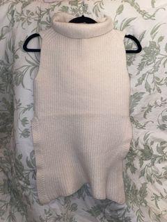 Aritzia Durandal Mock Neck Sleeveless Knit