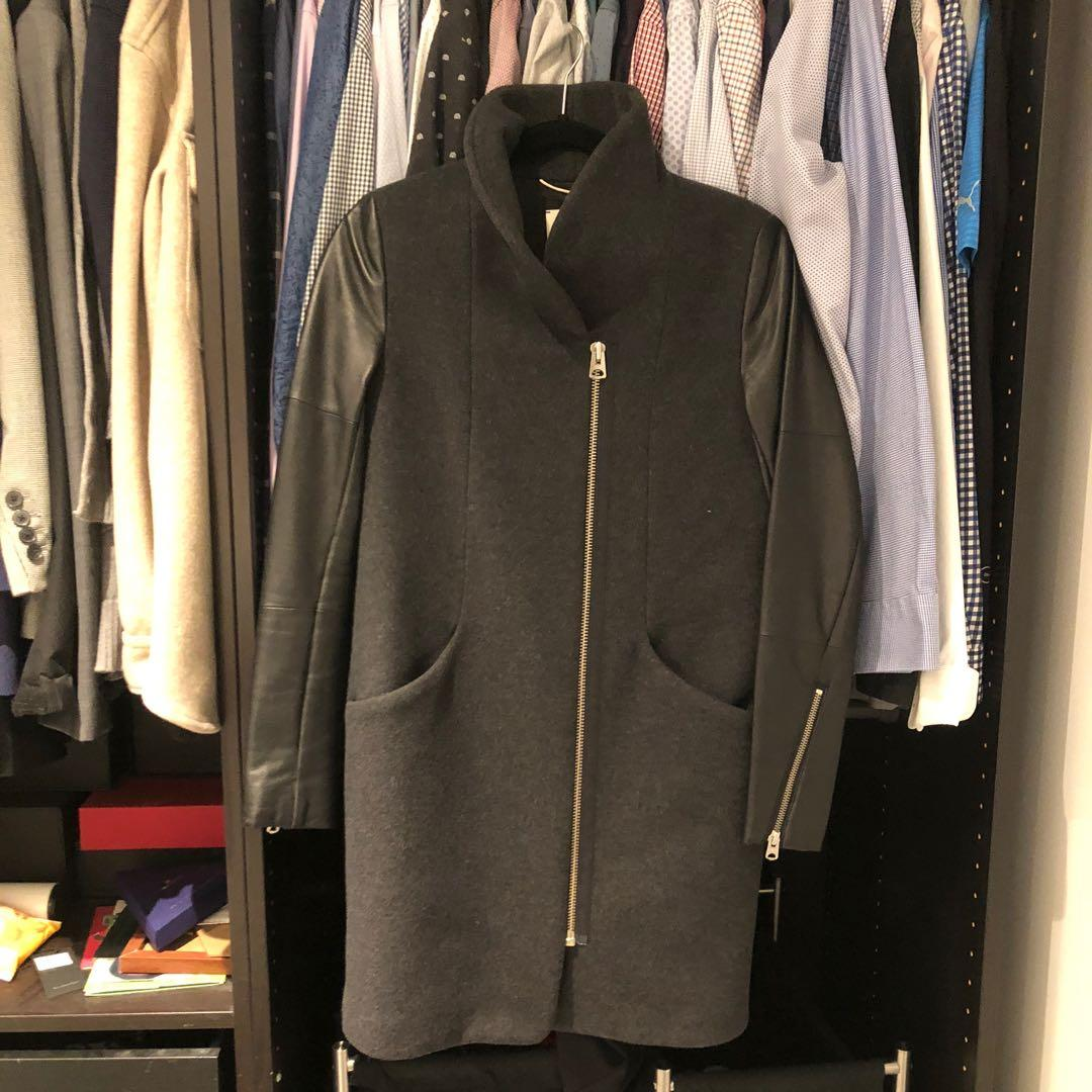 Aritzia Wilfred cocoon wool coat with leather sleeves Dark Charcoal with black size XXSMALL
