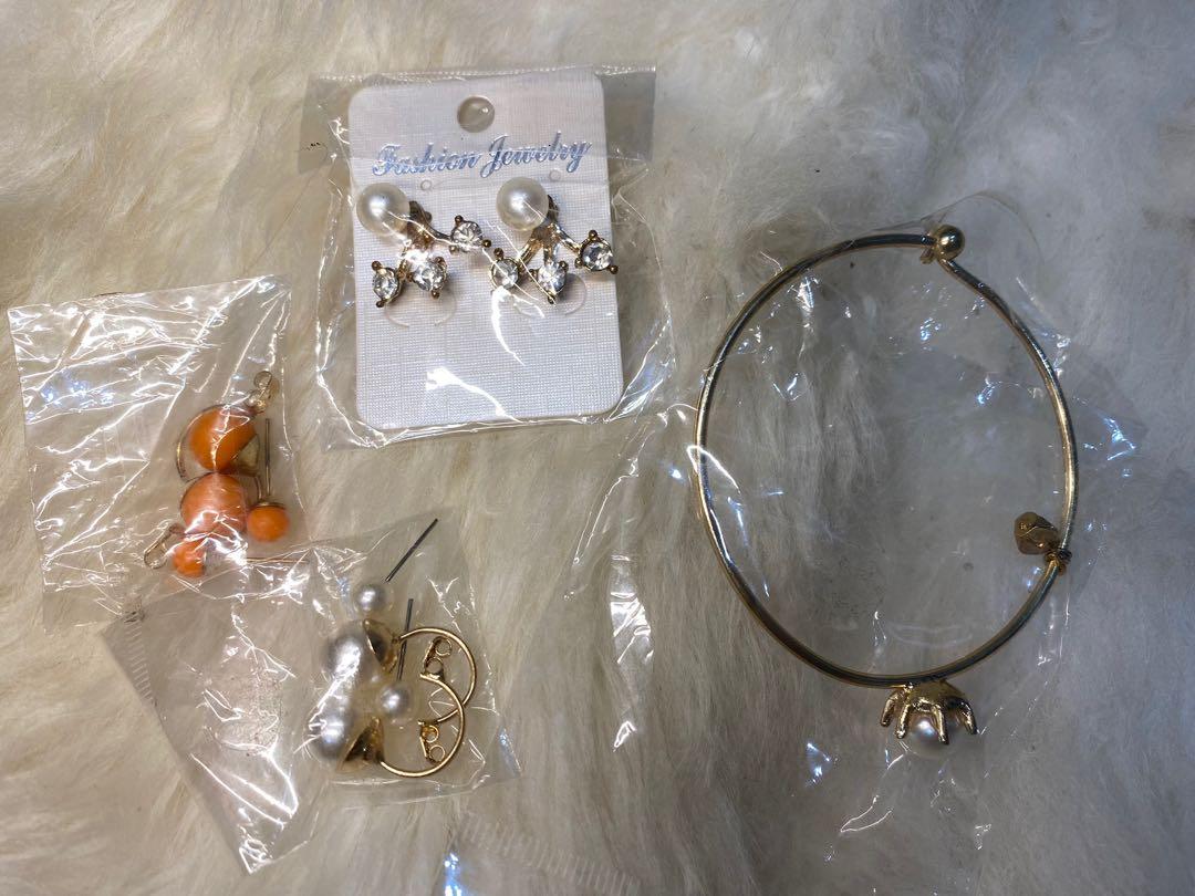 Assorted fashion jewelry brand new