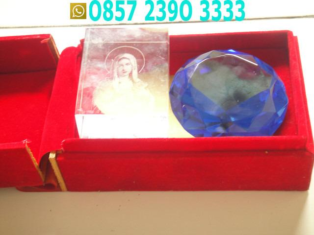 Kaca Biru Segidelapan Dan Kaca Bunda Maria PMF6411