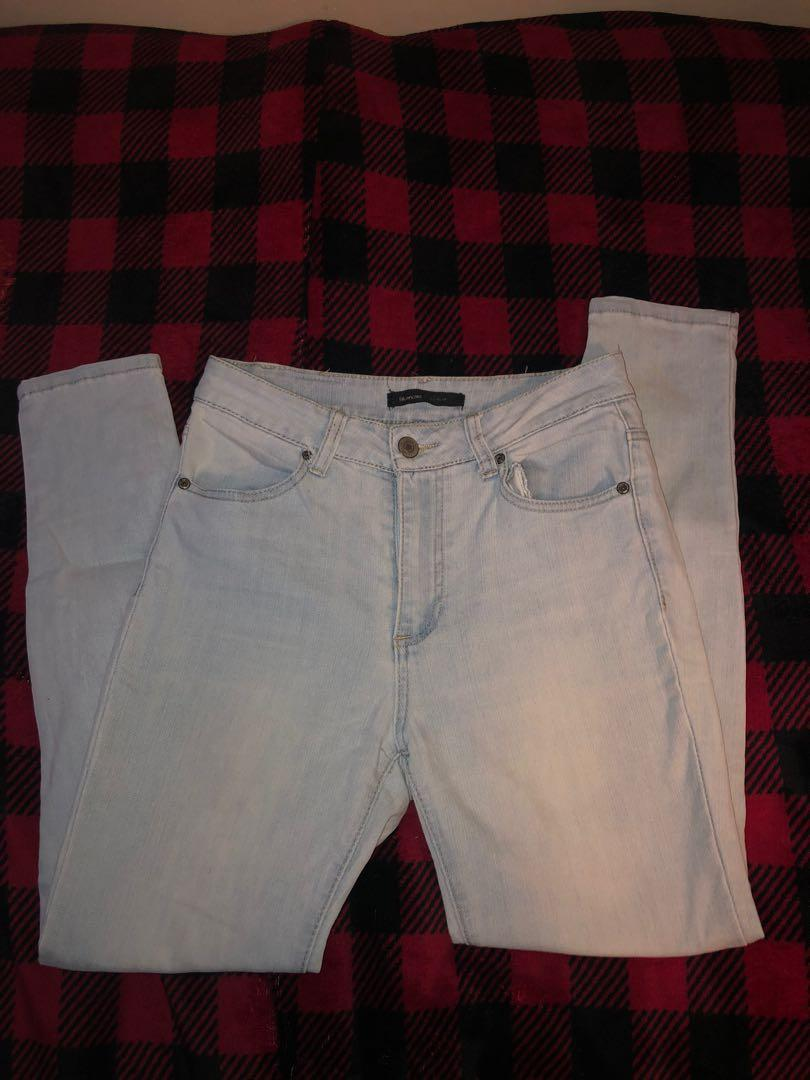 Size 28/27 light wash high waisted jeans