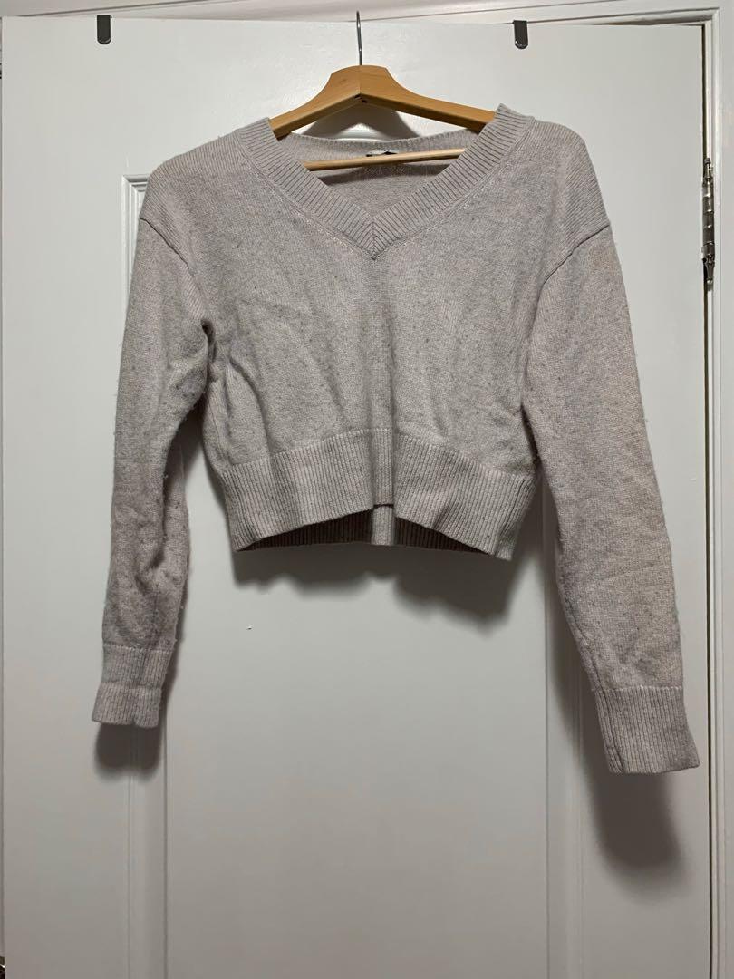 Sunday best light grey v neck sweater