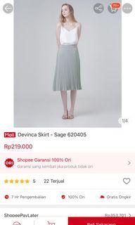 This is April NEW Plisket Skirt