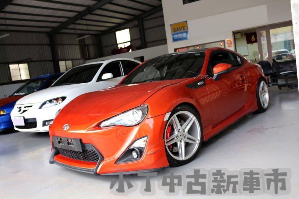 12 FT86 2.0 橘 空力套件 時尚小跑車