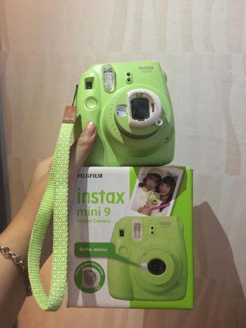 [PRELOVED] Fujifilm Instax mini 9