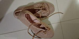 Sepatu jelly tali