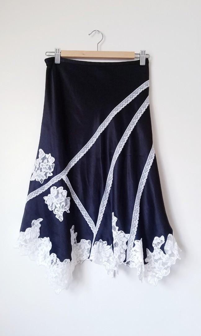 Black and White Lace MIDI Skirt (Size 4)