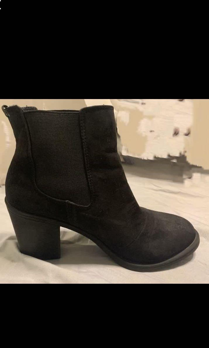 H&M black heeled booties/ boots