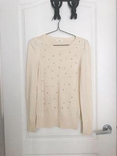 Ivory round neck sweater