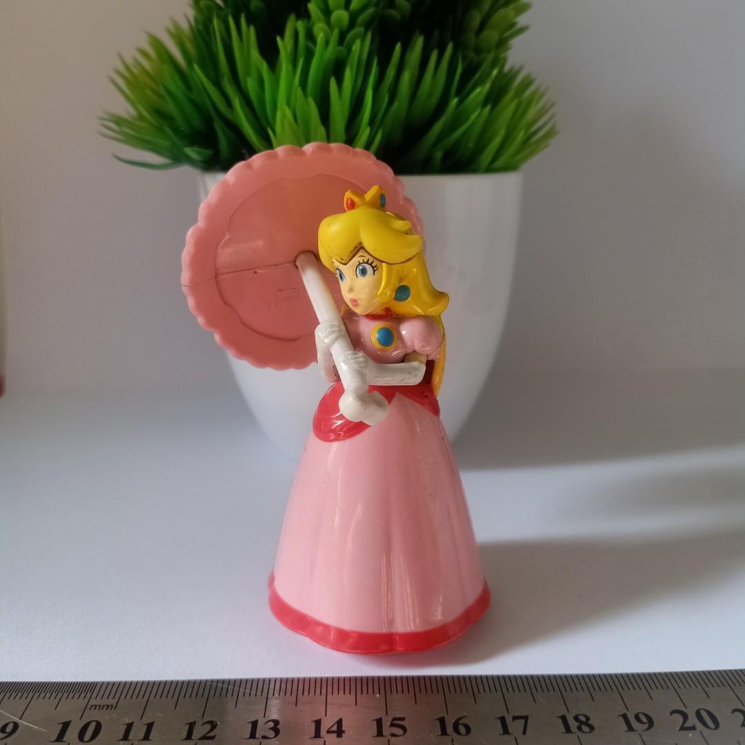 Mario Bros Princes Peach Hold Umbrella