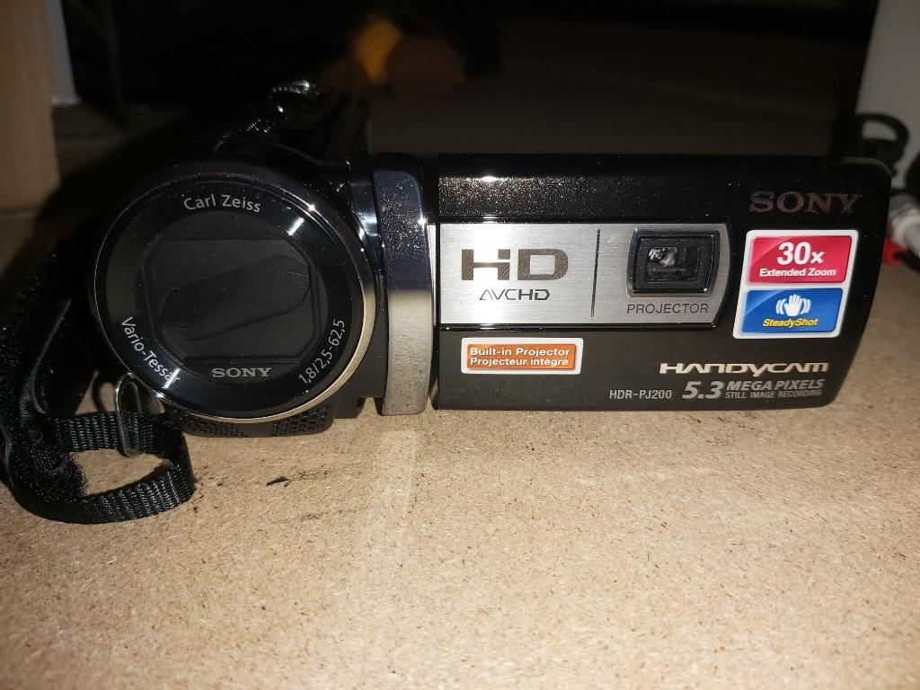 Sony HDR-PJ200 High Definition Handycam Camcorder with Built-in Projector (Black)