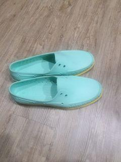 native洞洞鞋M10