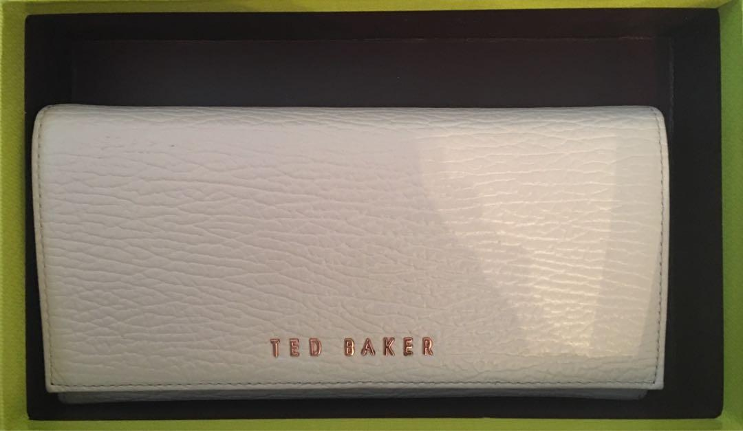 • TED BAKER Leather Wallet • (never used w. box)