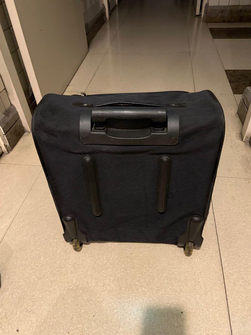 19吋行李箱自取地點中和台新街23號
