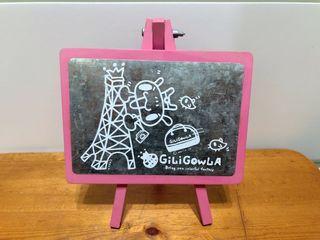 全新嘰哩呱啦粉紅桌上掛式直立式磁鐵板吸磁板
