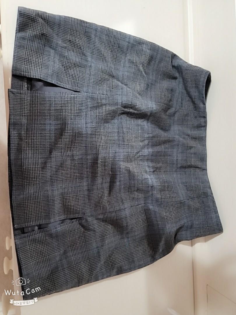 Aritzia plaid mini skirt