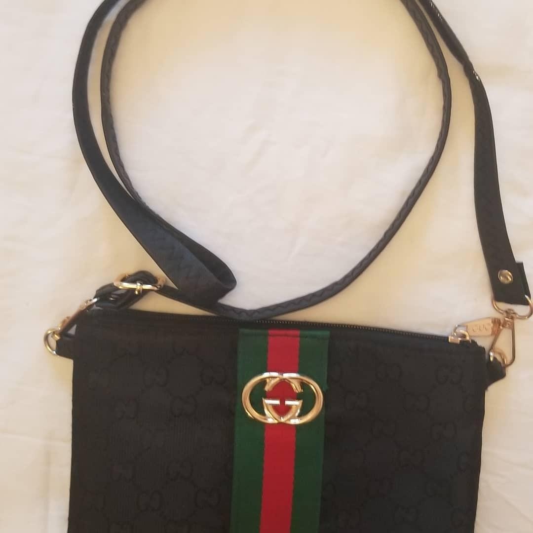 Gucci crossbag purse