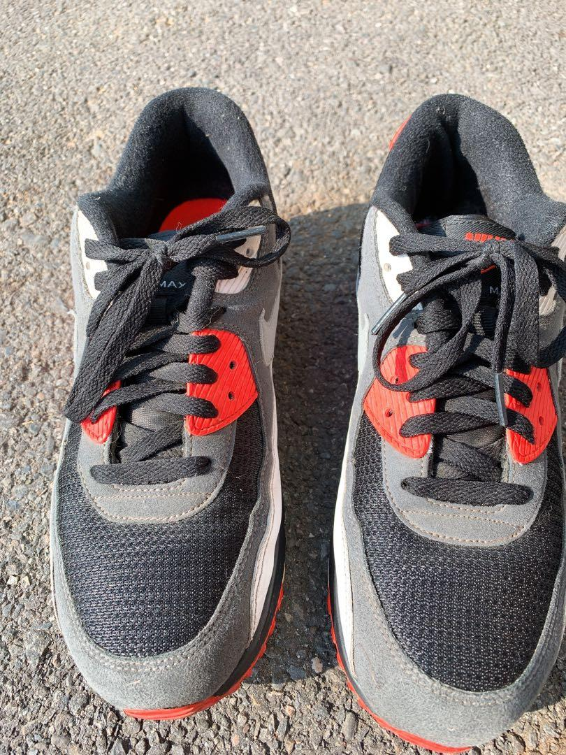 Nike Air Max (黑紅配色)