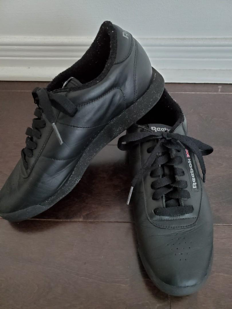 Reebok Classics Black Leather Shoes - size 7.5