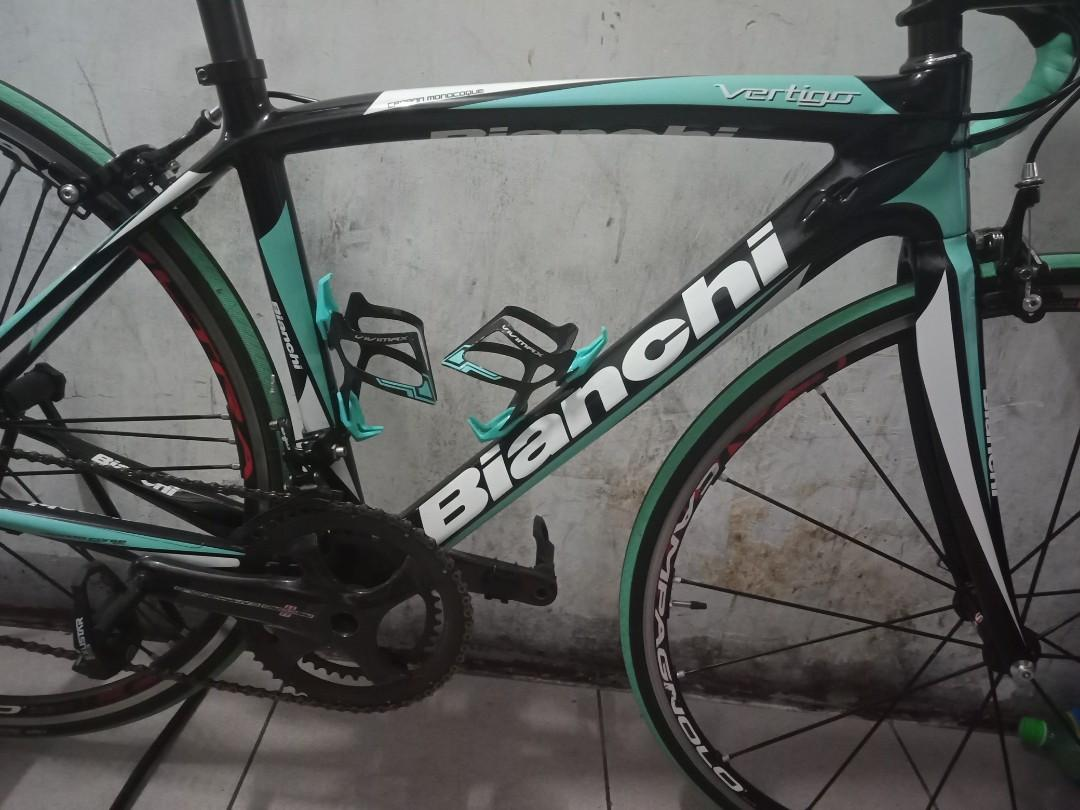 Sale :BIANCHI VERTIGO CARBON MONOCOQUE  frame w/fork only full carbon size of small things 48cm  *frame only *