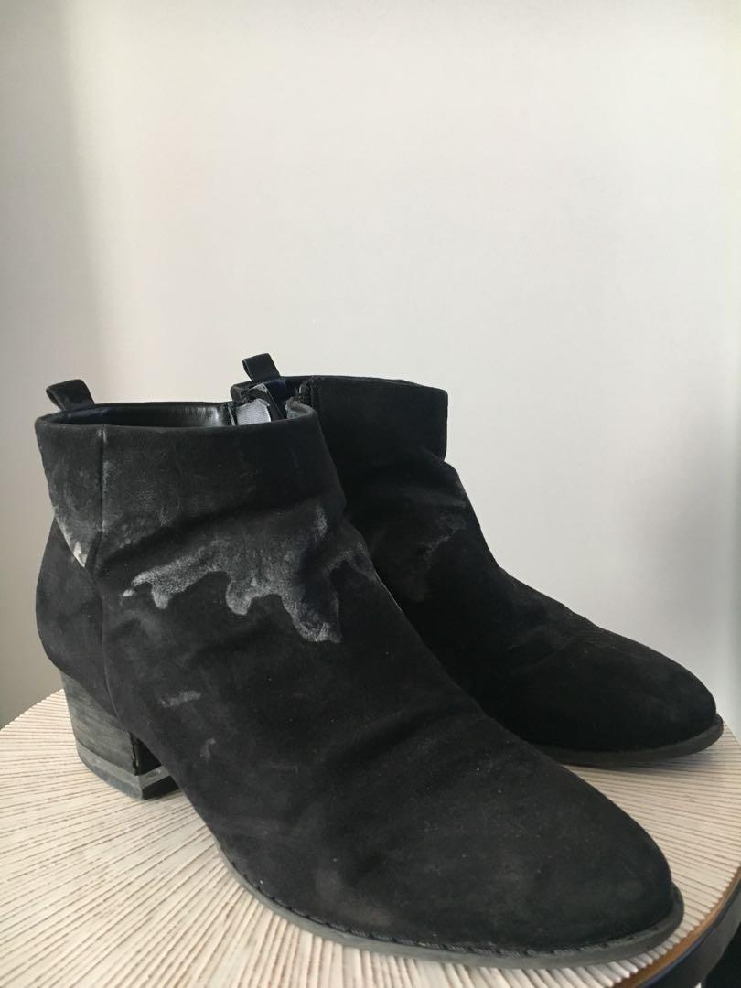 SPRING- Black booties
