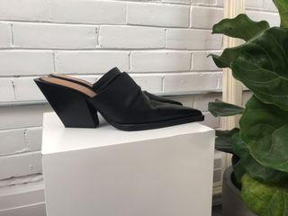 ZARA  black leather mules