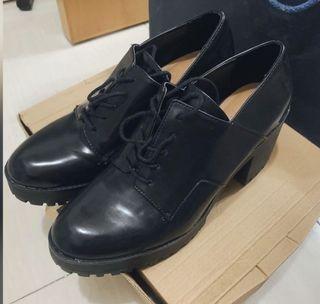 Zara 鞋  黑色 粗爭 高跟鞋