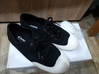 正韓休閒鞋 23.5