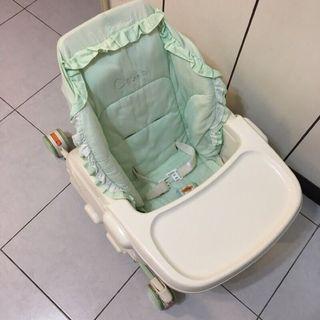 (內湖)二手 Combi 0-4歲嬰兒餐搖椅 手動 含餐桌